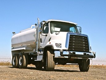 VALEW 6X6 4000 GALLON WATER TRUCK